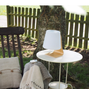 'Mooni_table_lamp_outdoor