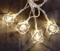 Světelný LED řetěz s kovovými hranami 33831